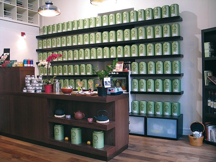 Plus de 200 thés au comptoir